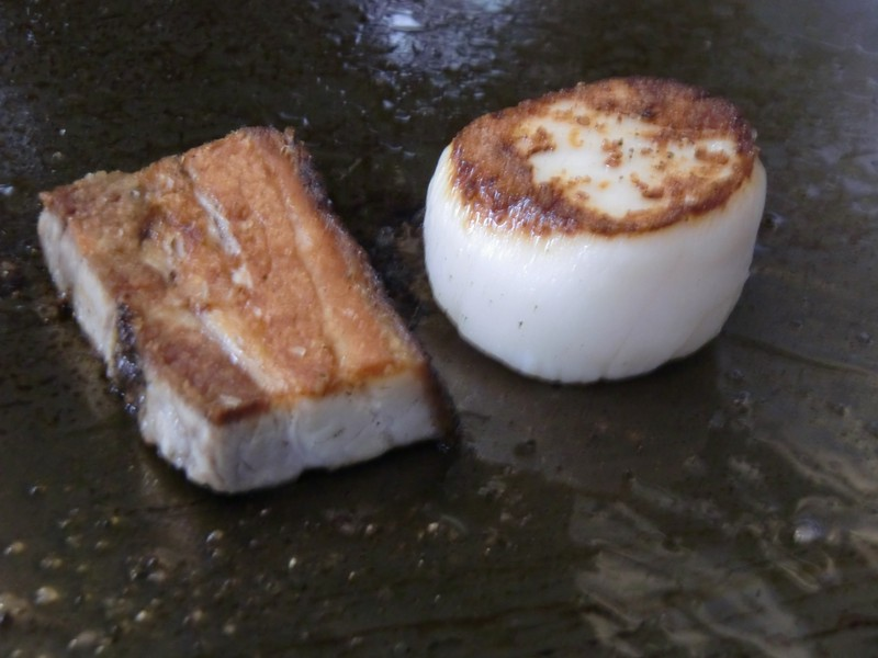 plancha_seared_pork_belly_and_scallop800x600.jpg