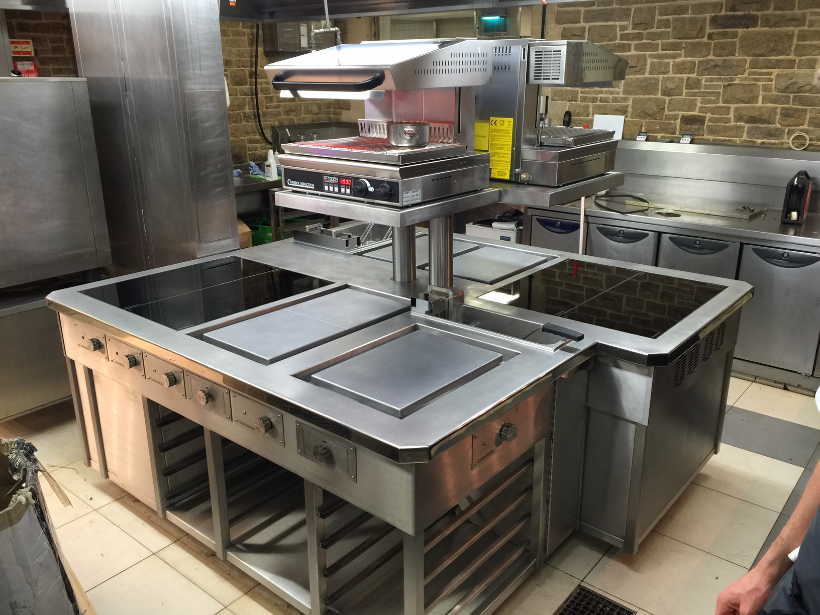 Induction cooking Island suite at South Lodge Hotel