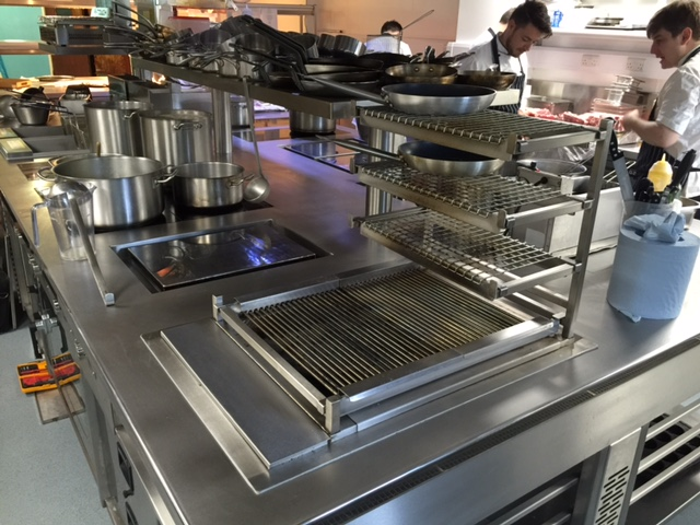 Cooking suite with induction and gas
