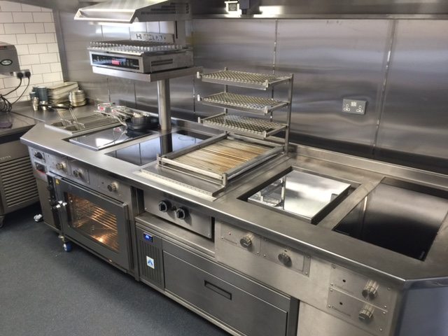 Induction stove with plancha and salamander grill
