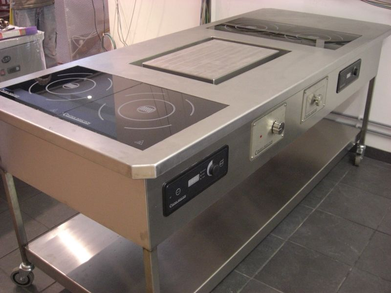 Four Ring Induction With Plancha 800x600
